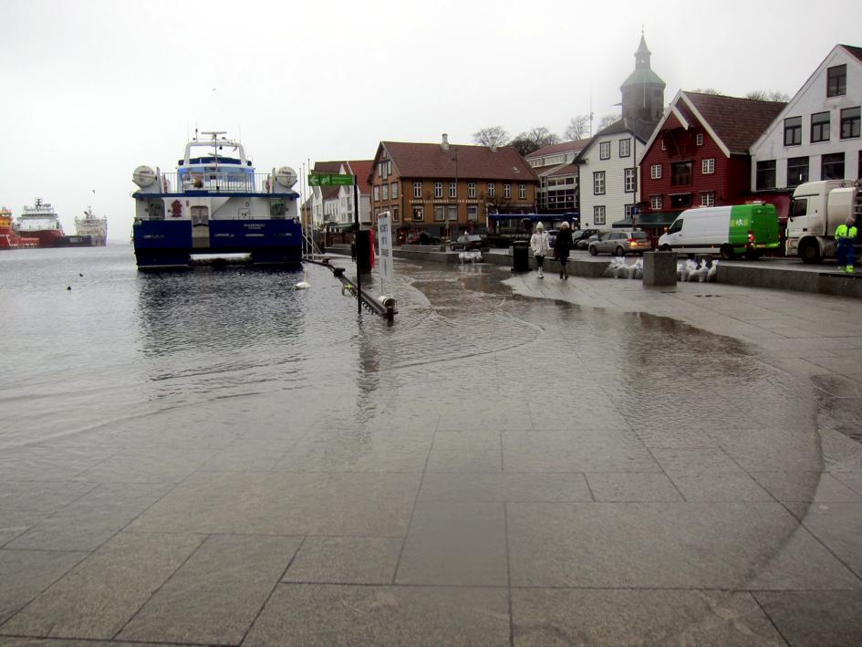 Stormflo i Vågen, Stavanger. Foto: Jostein Berggraf